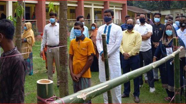 পৌরসভা নির্বাচনে ভোট দিলেন নৌপরিবহন প্রতিমন্ত্রী